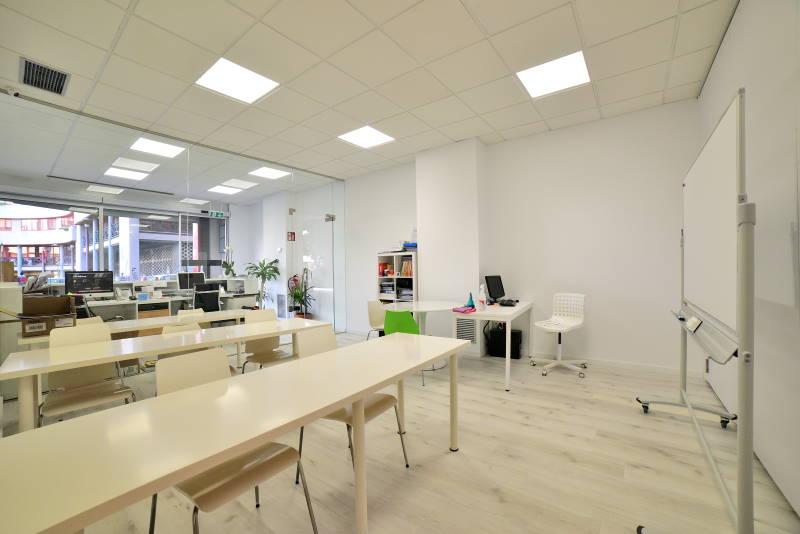 proyecto adaptacion y apertura centro ourense aulas modulor arquitectura
