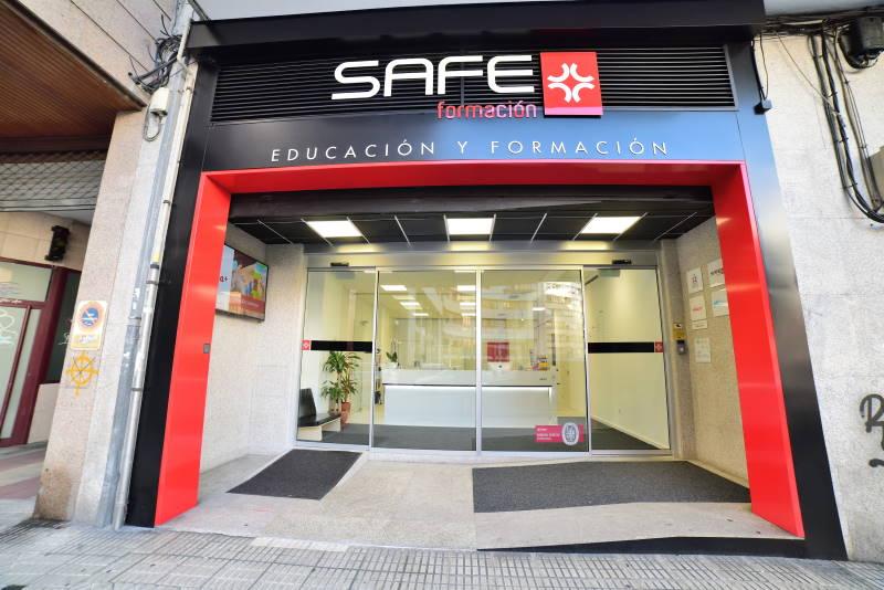 proyecto adaptacion y apertura centro ourense entrada exterior modulor arquitectura